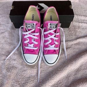 Converse Low Top Chuck Taylors  All Star Oxford